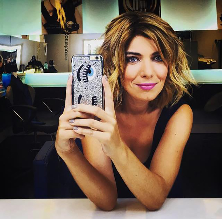 Raquel Strada portuguese tv host with Chiara Ferragni flirting's iphone cover